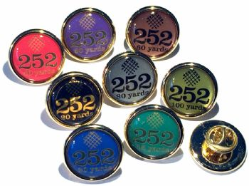 252 Award Scheme Arrows premium small badge